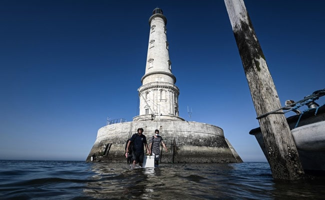 """France's """"King Of Lighthouses"""" Wins UNESCO Heritage Listing"""