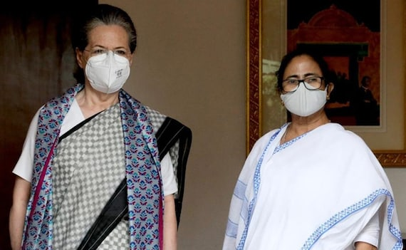 'Need To Come Together To Defeat BJP': Mamata Banerjee Meets Sonia Gandhi