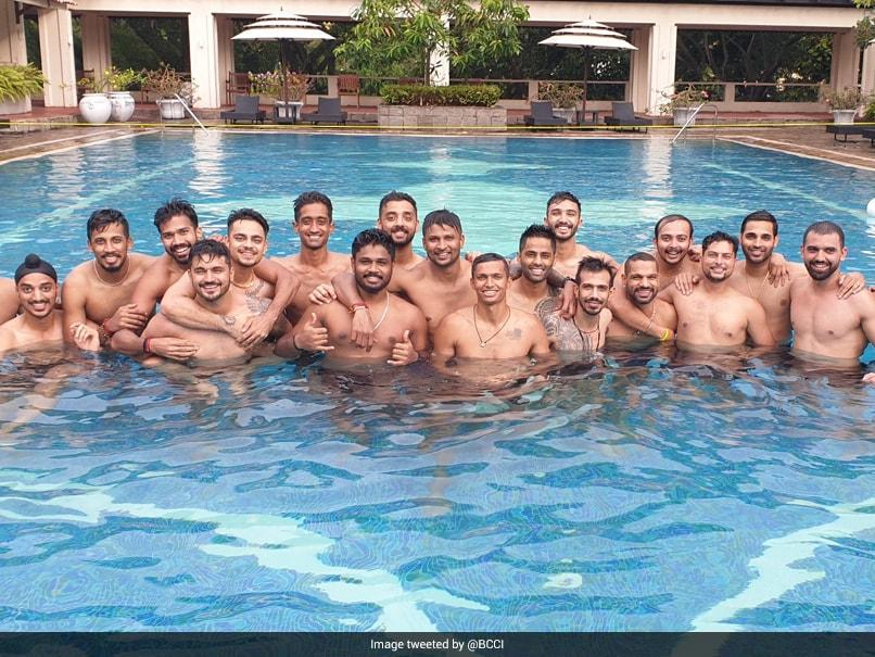 IND vs SL: क्वारंटीन समय पूरा कर पूल में मस्ती करते नजर आए भारतीय खिलाड़ी, देखें Photos