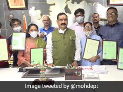 5 Refugees From Pakistan Get Indian Citizenship In Madhya Pradesh