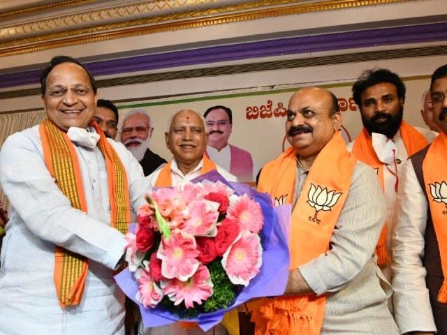 Video : Enter Basavaraj Bommai As Chief Minister, BS Yediyruappa Approves