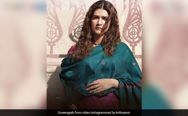 Mimi's Early Release Is Kriti Sanon's Birthday Surprise. Details Here