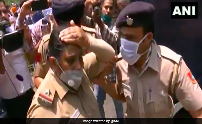 Video: Woman Cop Injured During BJP Protest In Chandigarh