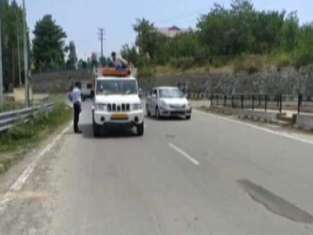 Video : 2 Key Roads In Jammu And Kashmir Reopen After 2 Years