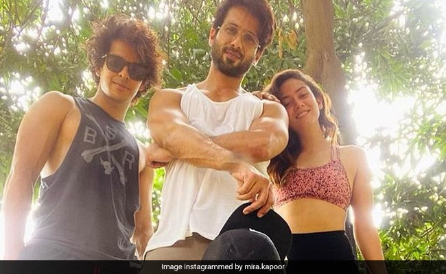 A Scene From Shahid Kapoor, Mira Rajput And Neelima Azeem's Family Time, 'Documented' By Ishaan Khatter