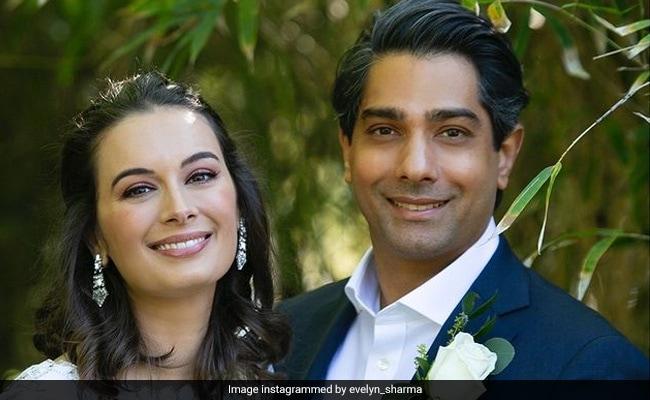 अभिनेत्री एवलिन शर्मा और पति तुशान भिंडी एक साथ पहले बच्चे की उम्मीद कर रहे हैं