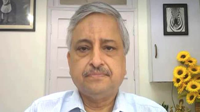 Focus Should Be On Vaccinating Everyone, Booster Can Wait: AIIMS Chief