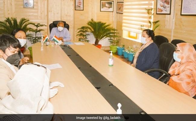 Women Delegation Meets Ladakh Lieutenant Governor; Demands 33% Reservation