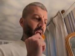 "What Happened When Deepika Padukone's Hairstylist Yianni Tsapatori Tried ""Extra Spicy"" Raw Mango"