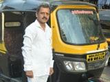Video : Mumbai Based School Teacher Drives Auto-Rickshaw, Ferries COVID Patients For Free