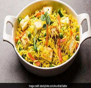 सब्जियों से भरपूर और बनाने में आसान आप सभी को खूब पसंद आएगी इलाहाबाद की तहरी