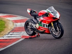 Ducati Panigale V2 Troy Bayliss Special Edition Unveiled