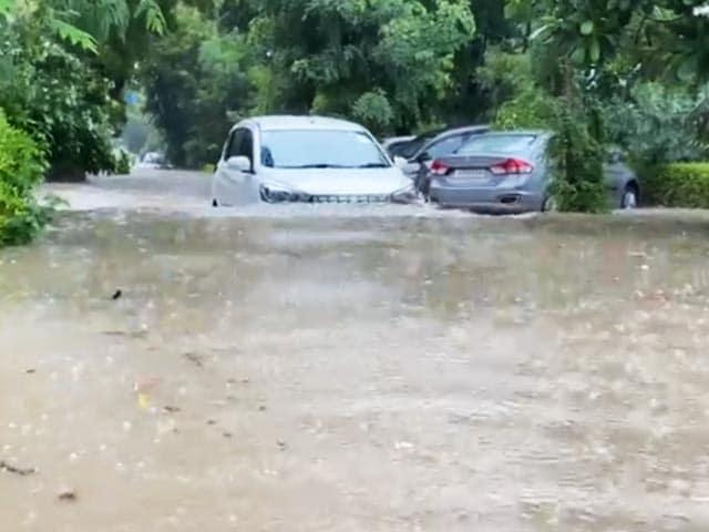Video : Rain, Waterlogging Spells Trouble In Gurgaon