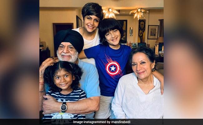 'Grateful For My Family': Mandira Bedi Posts Pic With Her Parents, Daughter Tara And Son Vir