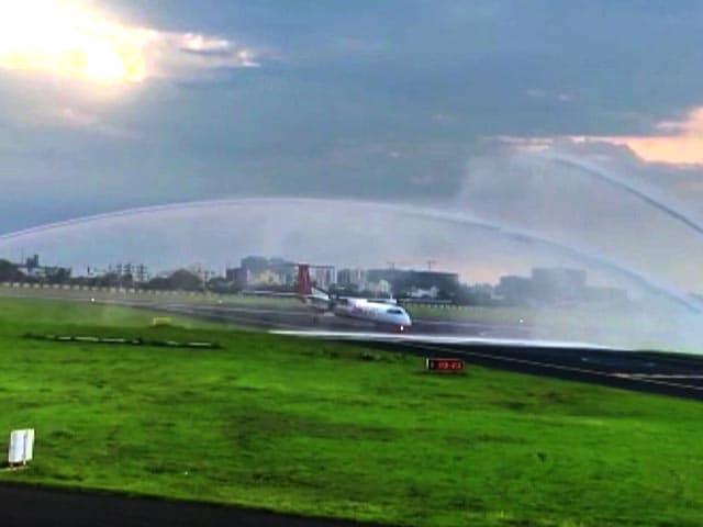 Video : Watch: First-Ever Goa-Rajkot Flight Receives Water Cannon Salute
