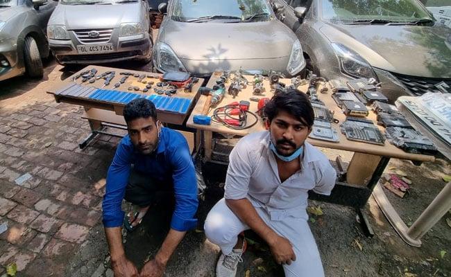 कश्मीर से फ्लाइट से आता था चोरी की कार लेने, दिल्ली पुलिस करेगी आतंकी कनेक्शन की जांच