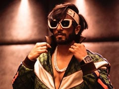 """""""Find Your Chi, They Said."""" So, Ranveer Singh Did This. Because Only He Can"""