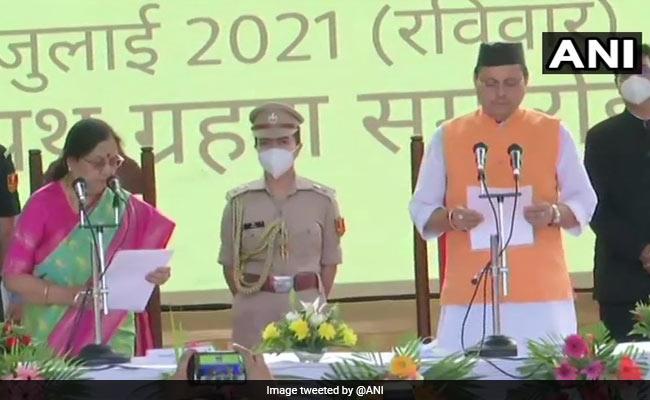 पुष्कर सिंह धामी ने ली उत्तराखंड मुख्यमंत्री पद की शपथ, PM मोदी ने दी बधाई