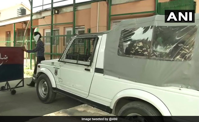 CBI Raids 22 Locations, Senior IAS Officer's Home In J&K Gun License Scam