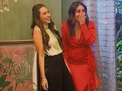 """Karisma And Kareena Kapoor Are """"Shooting Something Exciting."""" Excited Much?"""