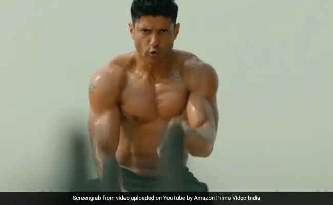 Shah Rukh Khan's 'Review' Of Farhan Akhtar's Toofaan Just Can't Be Missed