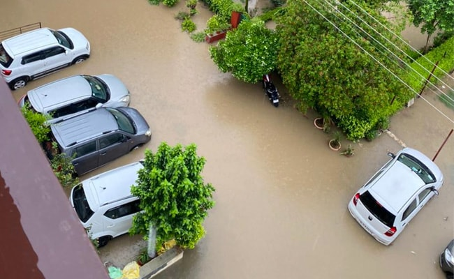 Watch: Cars Float, Bang Against Each Other In Water-Logged Gurgaon