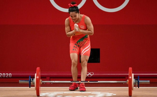 Tokyo Olympics: Kareena Kapoor, Anushka Sharma, Sonam Kapoor Lead Silver Medallist Mirabai Chanu's Cheer Squad