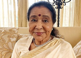Asha Bhosle Celebrates Her 88th Birthday With This Delicious Cake (See Pics)