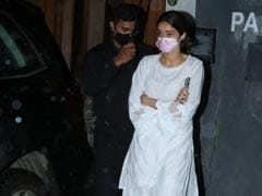 Ananya Panday, Along With Chunky And Bhavana Panday, Attends Grandmother Snehlata Panday's Prayer Meet