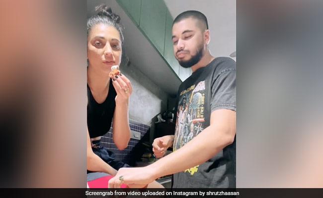 Shruti Haasan And Boyfriend Santanu Hazarika Just Love Fried Chicken. Her ROFL Post Proves It
