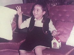 This Throwback Pic Of Karisma Kapoor 'Bag'ged Our Attention Instantly