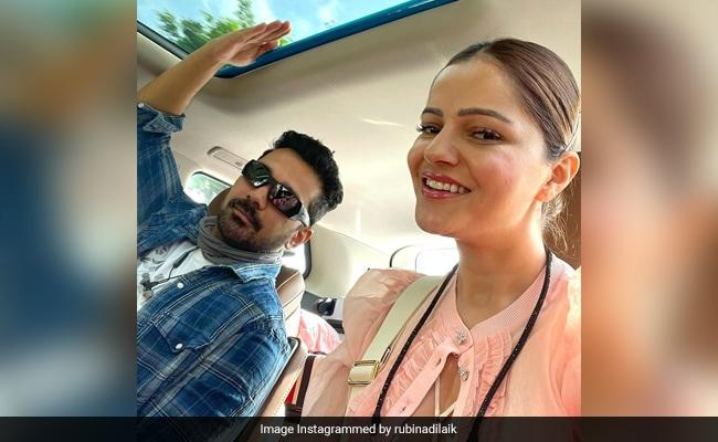 Rubina Dilaik And Abhinav Shukla Airport Look Viral Actress Says Wait For You 2 Months 20 Days – रुबीना दिलैक पति के साथ गईं वेकेशन पर, बोलीं