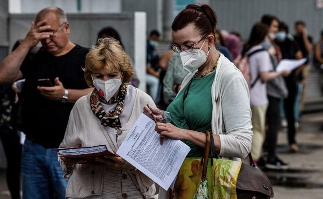 Russia Reports Record COVID-19 Deaths Amid Delta Surge