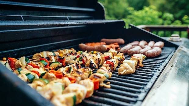 4 Best Barbecue Grill Options To Make Tandoori Chicken, Grilled Fish And More