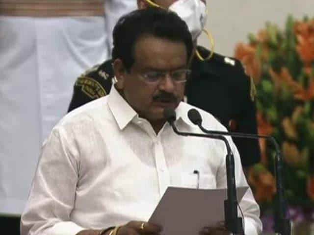 Video : Modi Cabinet 2.0: Satya Pal Singh Baghel Takes Oath As Minister