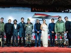Sidharth Malhotra, Kiara Advani And Team <i>Shershaah</i> Spend The Evening Of Kargil Vijay Diwas With The Indian Army. See Pic