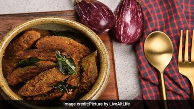 Easy Lunch Recipe: Make This Lip-Smacking Achari Baingan In 30 Minutes