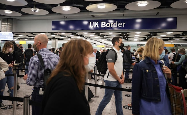 UK To End Quarantine For Vaccinated Travellers In Boost For Airlines