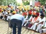 Video : Angry Farmers Protest Near Parliament