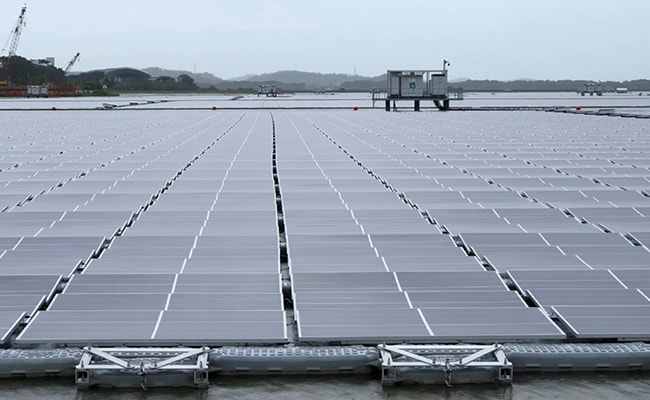 Singapore Unveils One Of The World's Biggest Floating Solar Panel Farms