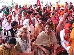 "All-Women Brigade, 4-Year-Old Orator At ""<i>Kisan Sansad</i>"" In Delhi"
