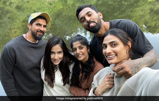 Viral: Athiya Shetty And KL Rahul Pictured Hanging Out With Ishant Sharma And Wife Pratima In England