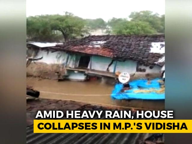 Video : On Camera, House Develops Cracks, Collapses After Heavy Rain in Madhya Pradesh