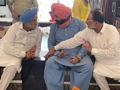 In Captain Amarinder Singh Home Turf, Navjot Sidhu's Flurry Of Meetings