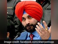 """5 Priority Areas"" For Punjab: Navjot Sidhu Hands Note To Amarinder Singh"