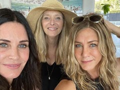 The One Where The Girl-<i>F.R.I.E.N.D.S</i> Reunite For The Fourth Of July