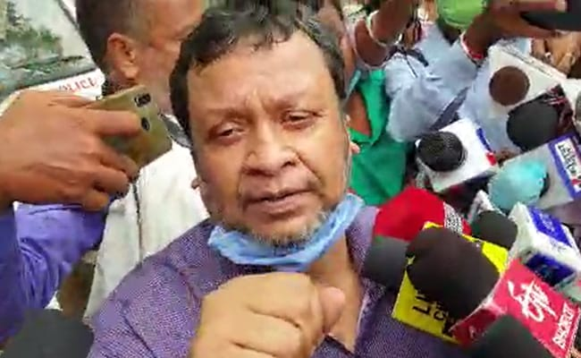 बिहार : वरिष्ठ IAS की FIR दर्ज नहीं की गई, तेजस्वी यादव ने नीतीश कुमार से जवाब मांगा