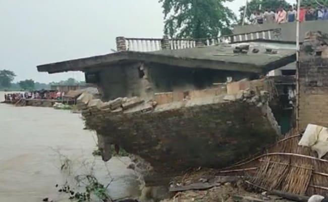 बिहार के कई जिलों में बाढ़ से हाहाकार, गंडक और सिकरहना नदी बरपा रहीं कहर