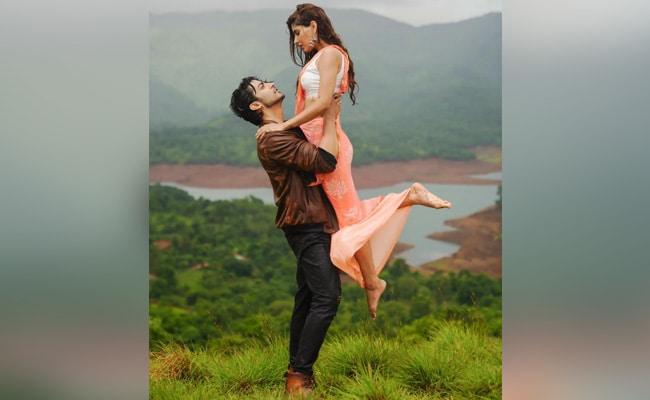 Jubin Nautiyal's Song Barsaat Ki Dhun, Featuring Gurmeet Choudhary And Karishma Sharma, Is Out Now