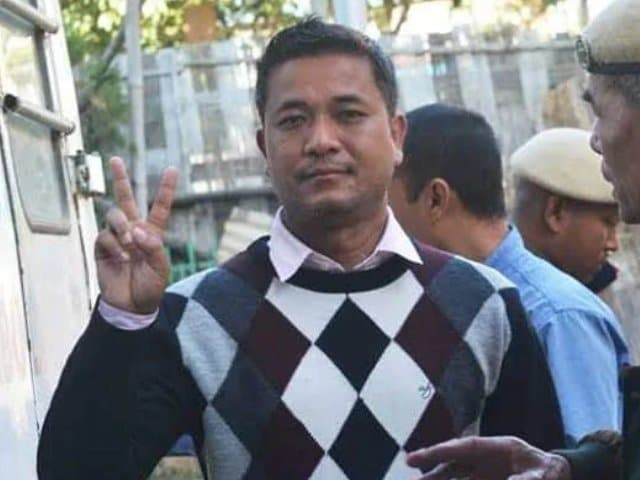 """Video : Manipur Journalist, Arrested Under NSA For """"Cow Dung"""" Post, Released"""